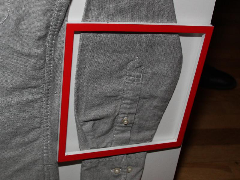 新モデルでは、シャツの細かいシワが付いていない