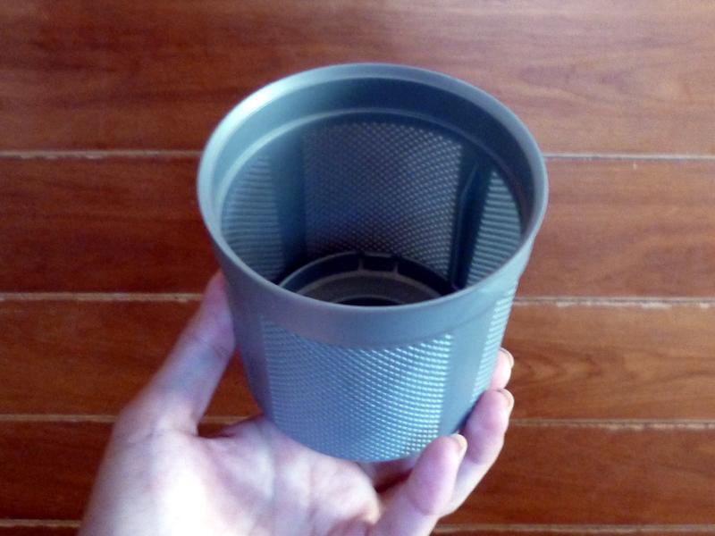クリーニングダイヤルフィルターは、ダストケース内に搭載されており、水洗いできる