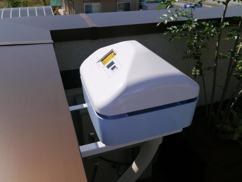 ルーフガーデンに設置されている気象観測モニター