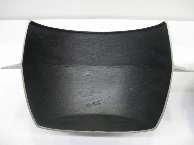 日本古来の「かまど」も上部が少しすぼまった丸い形をしている