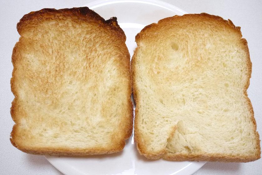 トーストしてみた。左が「ふんわり」。右が「もちもち」