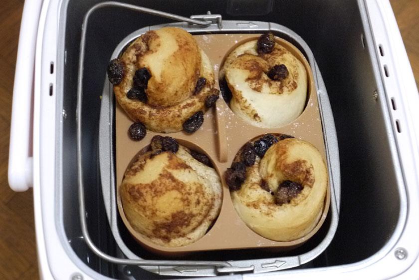 レーズンがだいぶ飛び出してしまったようだが、「パンくらぶ」でも問題なく使えることが証明された
