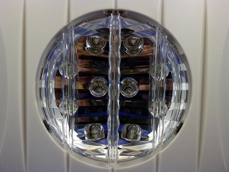LEDは10個内蔵されている