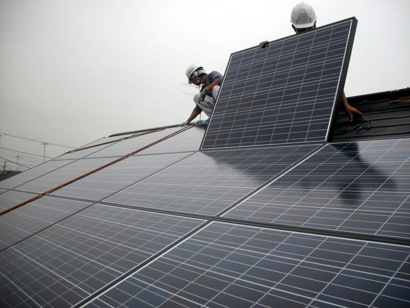 シャープの太陽電池では、これまでは多結晶タイプが多かった
