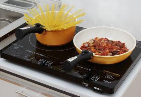 工事不要で手軽に設置でき、左右2口で同時に調理できる