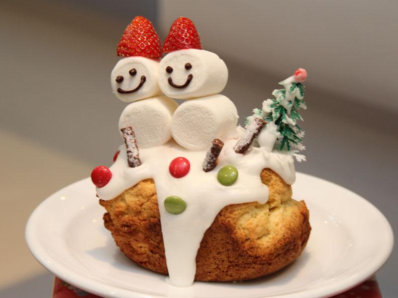 Sachiさんが考案したデコスコーン。クリスマスが近いと言うこともあって、クリスマスを意識したデザインが多かった