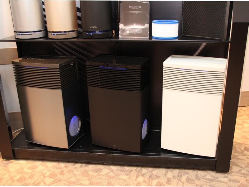 cado。左から「AP-C700」ステンレスシルバー、「AP-C500」ブラック、ホワイト