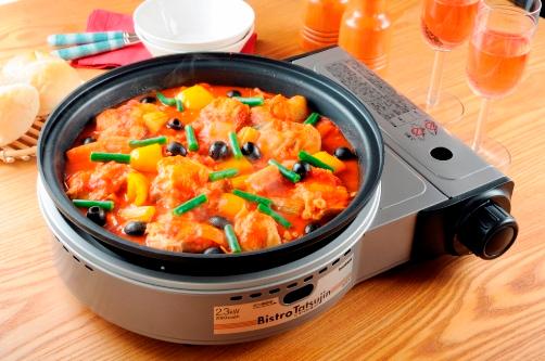 焼き物から煮物、ごはん料理まで多彩な調理ができるという