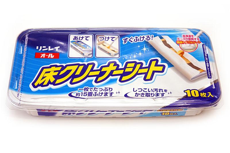 リンレイの「オール床クリーナーシート」。1枚で15畳の床を拭ける。普段使いにもワックスがけ前の床掃除にも使える