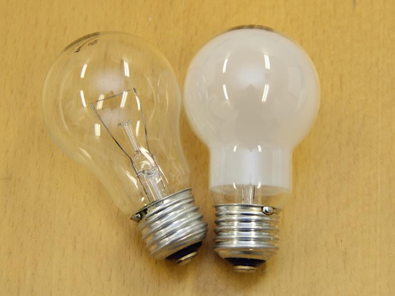 パナソニックの白熱電球。この2012年10月に、76年間の生産に終止符を打った
