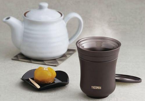 陶器のような質感の湯飲みタイプも販売されている