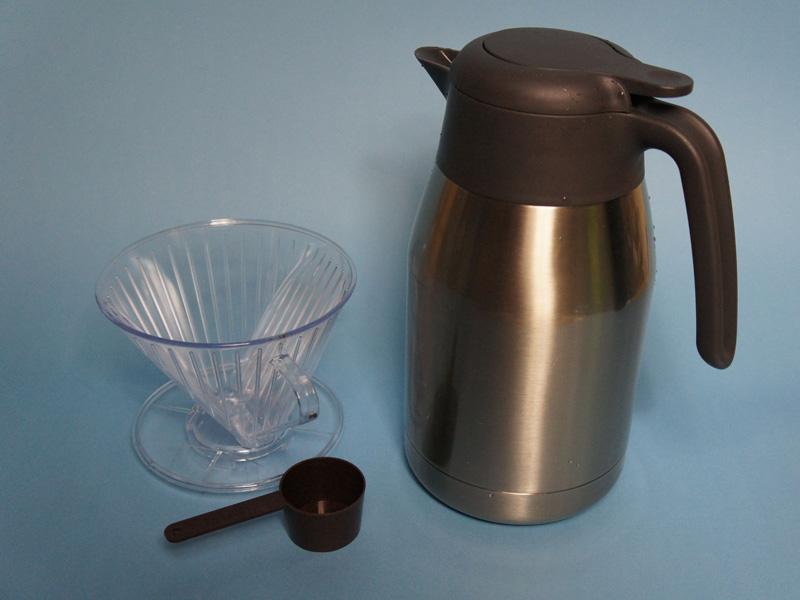 ドリッパーで直接コーヒーを落とす