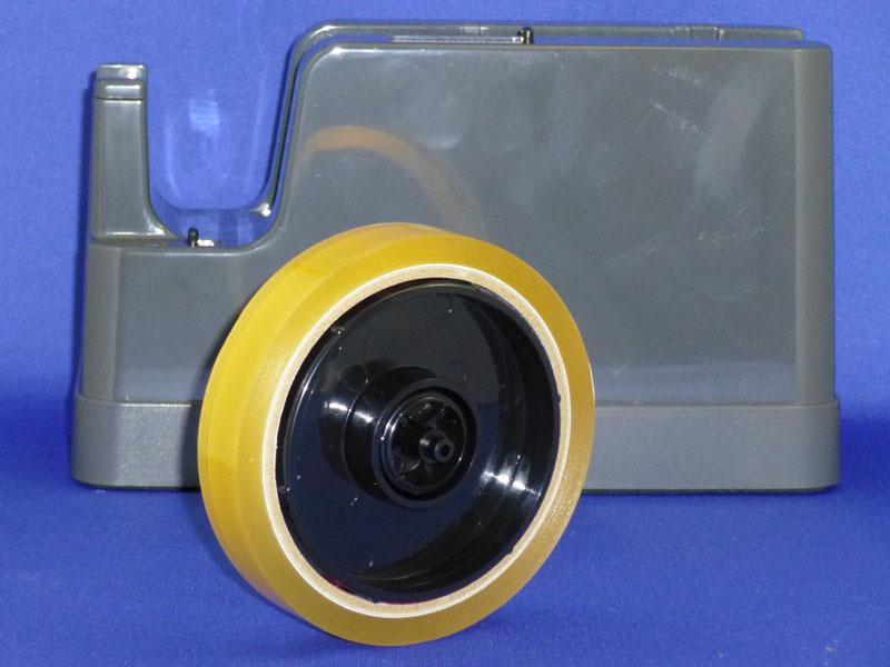 一般的な太巻きテープをセットする場合は2つのリールを組み合わせて使う