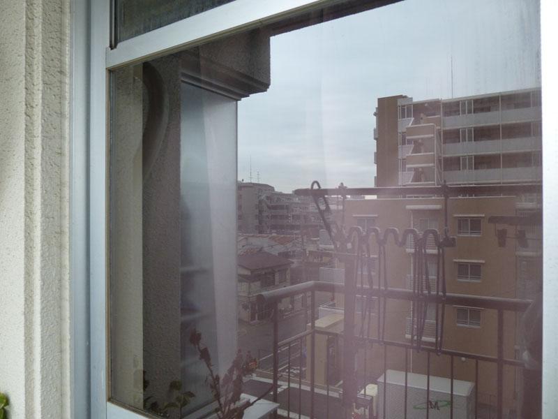 二度拭きの手間は一切なく、あっという間に窓がきれいになった