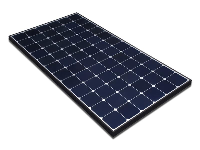 """サンパワーの太陽光発電パネル「E20」。モジュールの変換効率は20.1%で、""""世界最高の変換効率""""を謳っている"""