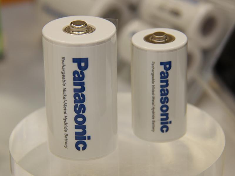 これまでeneloopシリーズとして発売された単一/単二乾電池は、eneloopブランドではなくパナソニックブランドに統一される