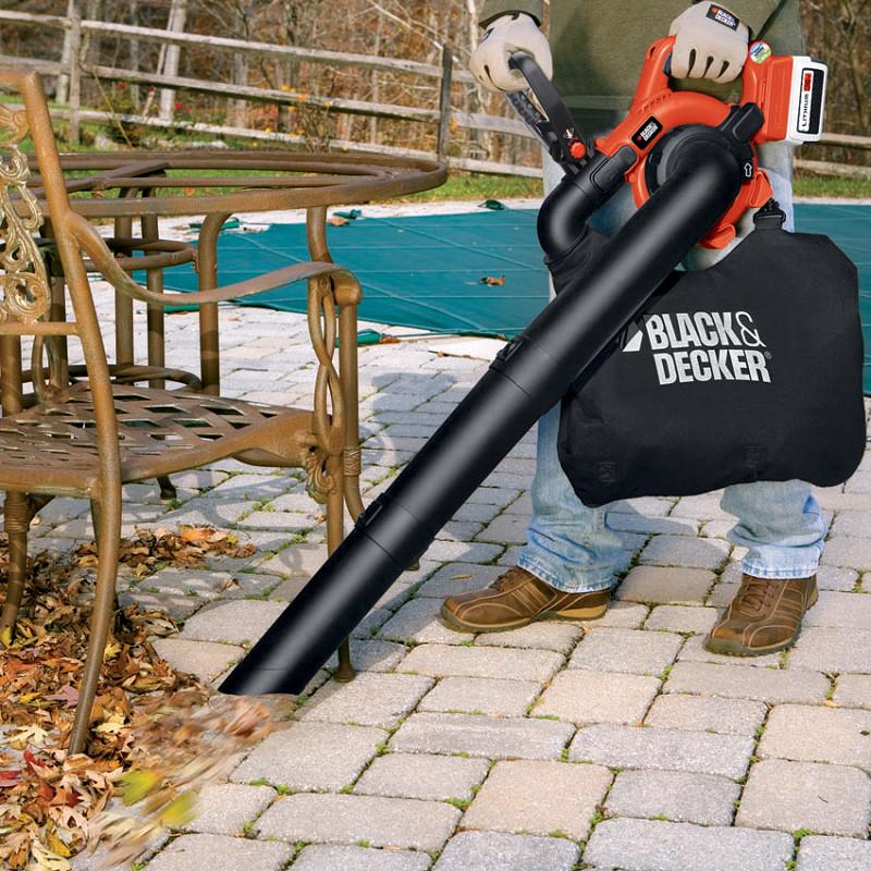 落ち葉などを吸い込んで集塵バッグに集める集塵機能