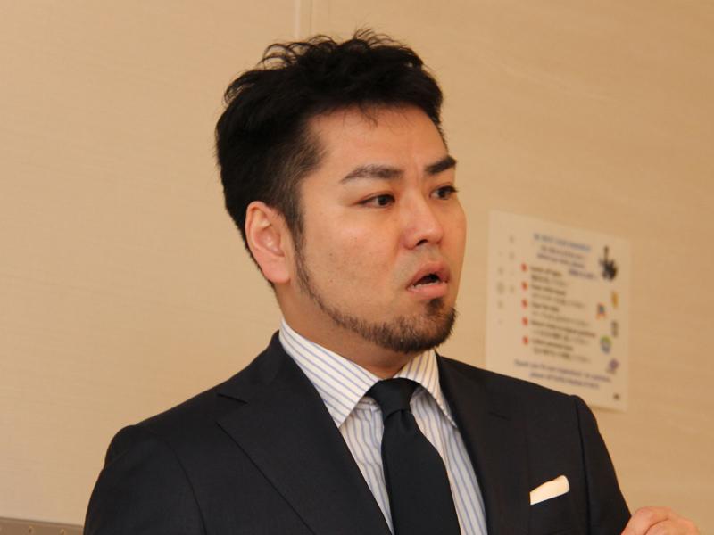 男性美容研究家の藤村岳氏