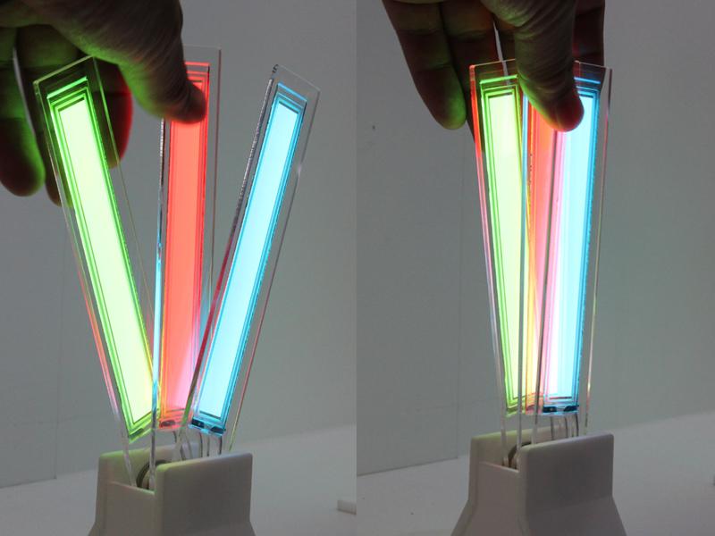 縦長の「透明パネル1402」も用意される