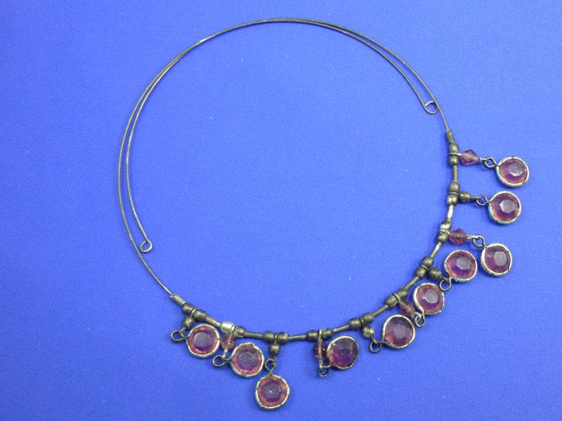 こういうワイヤーを使ったネックレスは、洗浄槽が小さいときびしい