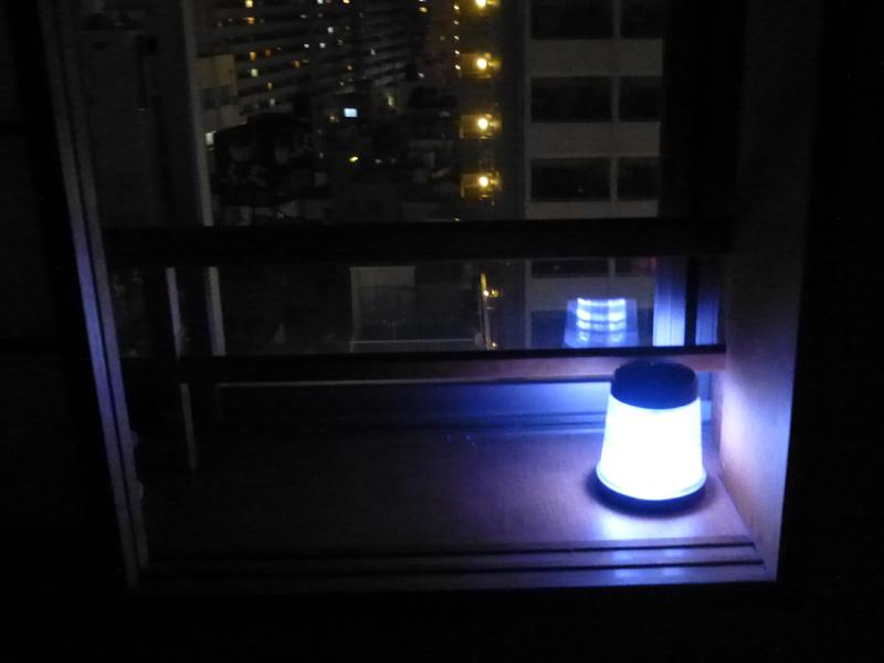 室内で使用するなら、こういう高窓のように日当たりにいい場所でないと充電が間に合わない
