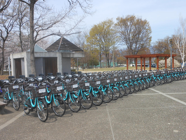 合計70台の電動アシスト自転車を納車した