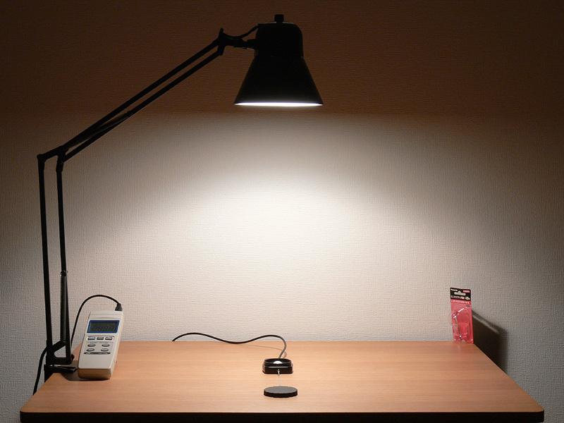 こちらがミニクリプトン電球の光