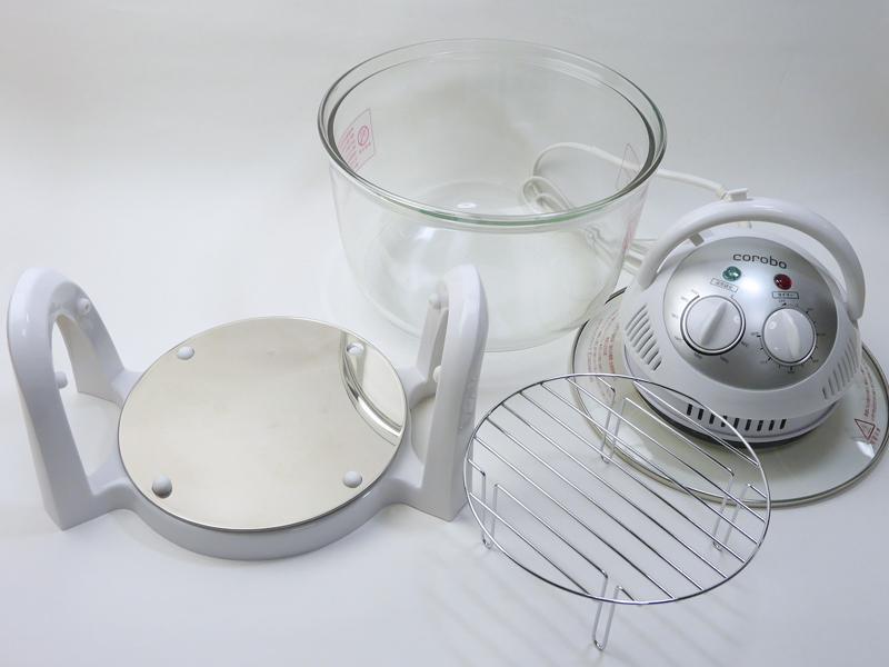 「corobo」の基本構成。左から、容器台座、専用ガラス容器、本体操作部(ガラス蓋)調理用網