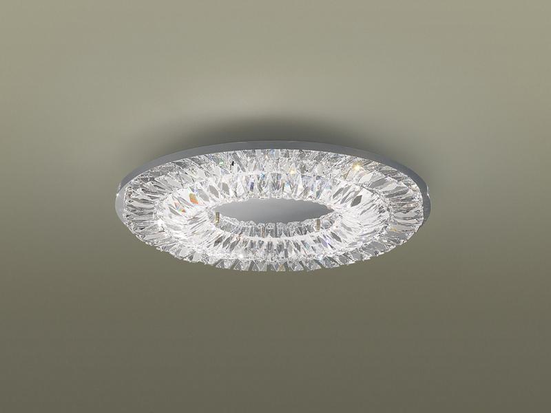 シャンデリアのようなシーリングライト「シャンデリング」。光束は3,500lm。消費電力は47.2W