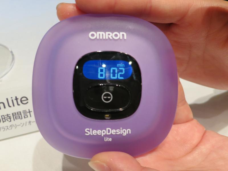 過去1回分の睡眠時間を表示できるメモリー機能を搭載。本体には過去7日分の睡眠データを蓄積する