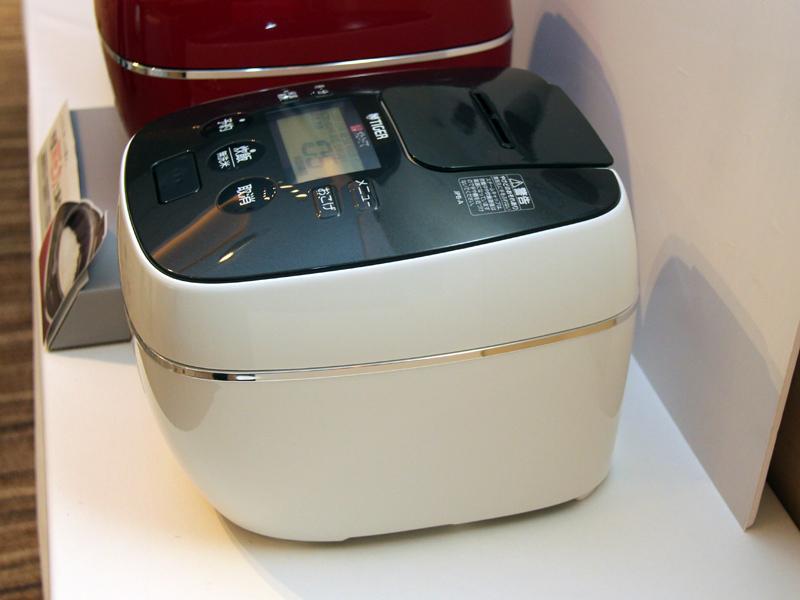 JKX-S100と同様、圧力炊飯機能と360°デザインを採用する