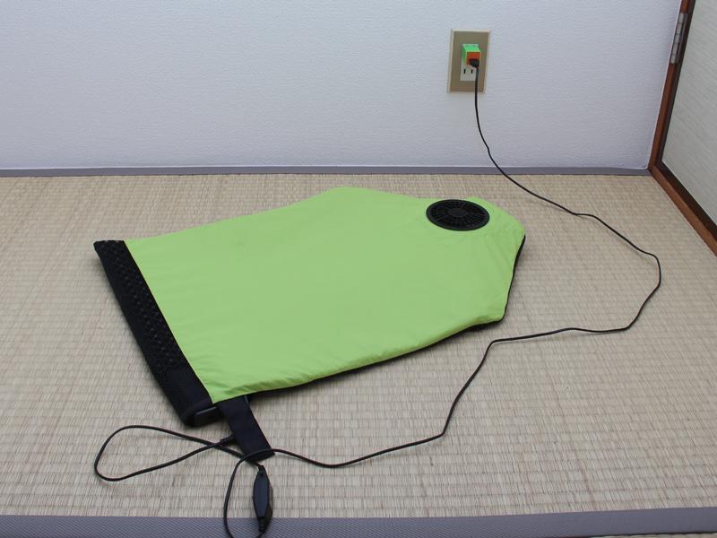 USB-ACアダプターを使えば、家庭のコンセントからも利用できる