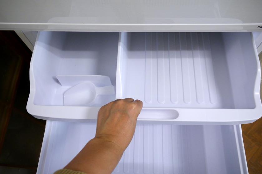冷凍ケース(大)と、冷凍ケース(小)
