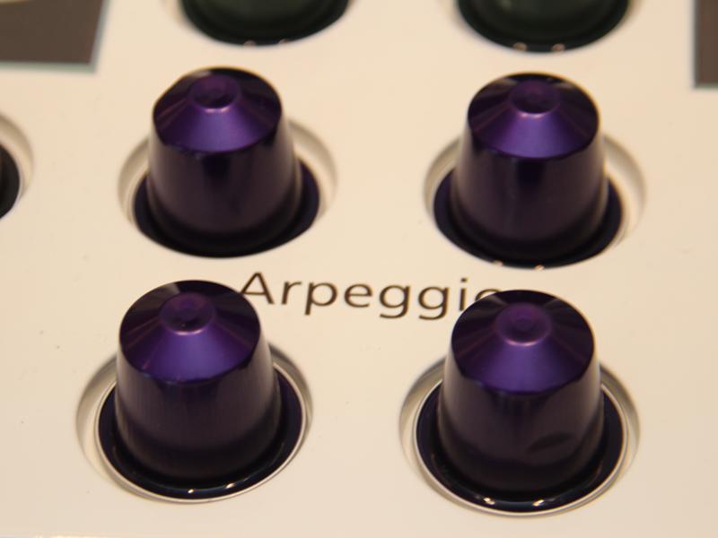 ネスプレッソ専用カプセル。写真はコーヒーの味わいが強めのアルペジオという種類