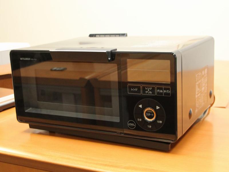 コンセプトモデルを基本に製品化され、2011年5月に発売されたレンジグリル「ジタング」の初代モデル
