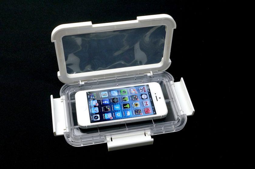 iPhone 5は余裕で入る