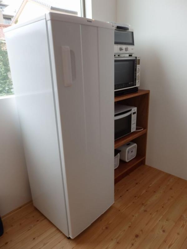 冷凍庫には、ハイアールの引き出し式タイプJF-NUF-166Aをセレクトした。同じ製品をもう1台購入することも検討しているという