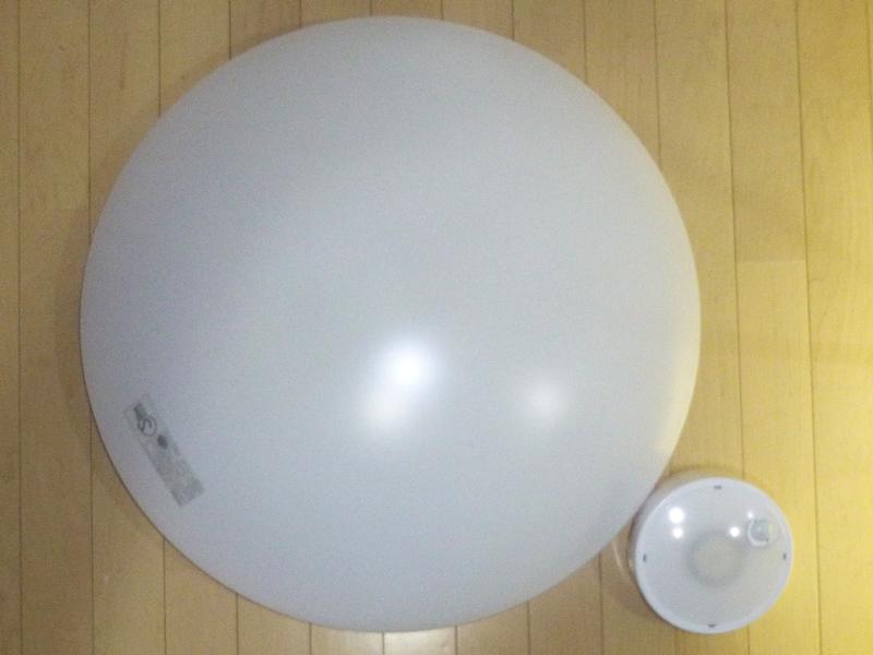 一般的なシーリングライトとの大きさ比較