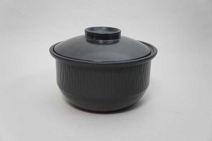 炊飯後に本土鍋を取り出したときに使える専用の蓋を用意