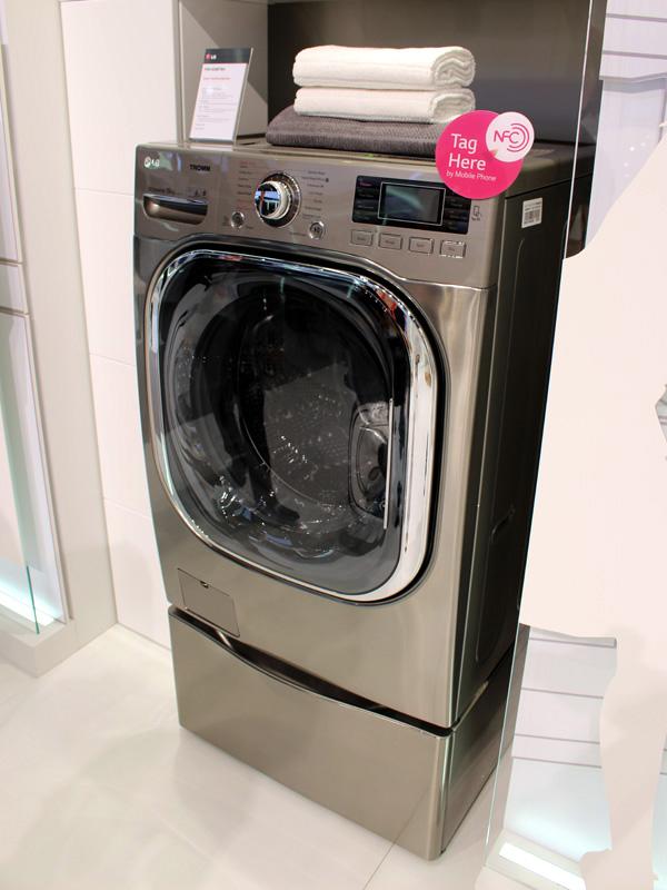 スマートフォンアプリとの連携機能を搭載したドラム式洗濯機
