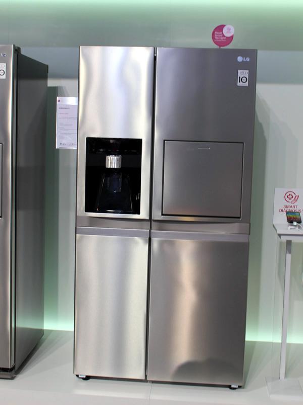 ドアポケットがついた冷蔵庫