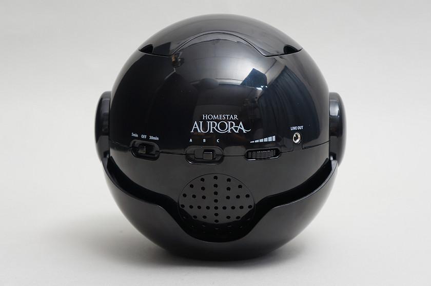本体背面にモード切替兼電源スイッチ、サウンド切替スイッチ、音量ダイヤルなどを配置