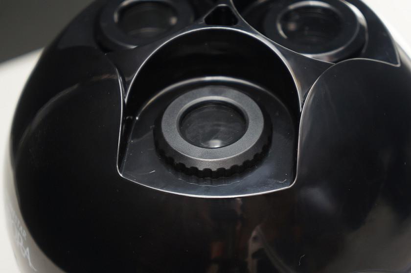 星空投影レンズにのみピント調整ダイヤルがある
