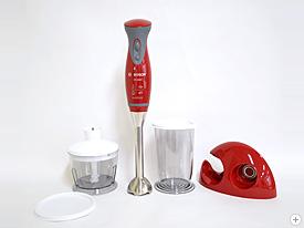 BOSCH「コードレス・ハンディブレンダー mixxo(ミクソー)」先端の小型ブレードにより、コップの中で直接スムージーが作れるスティック状のコードレスハンディブレンダー。ジュース専用ではなく、ポタージュスープやソース、ドレッシング、離乳食など幅広く対応。氷も砕ける。ミキサーを置くスペースのない方にオススメ