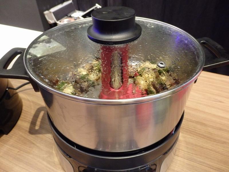 さまざまな調理ができる「ホームクッカー」