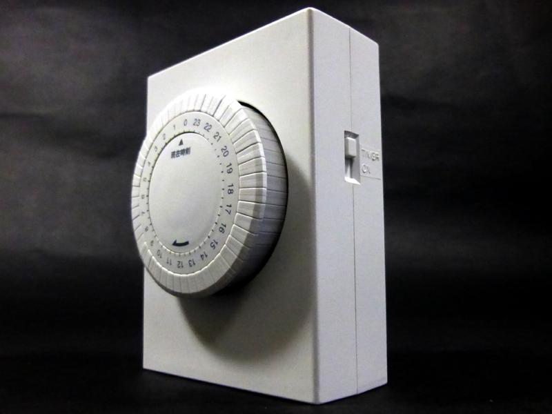 主に操作するのは、ダイヤルと「通電・タイマー切替スイッチ」の2つ
