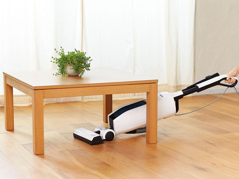 机の下も掃除しやすいフルフラット機構