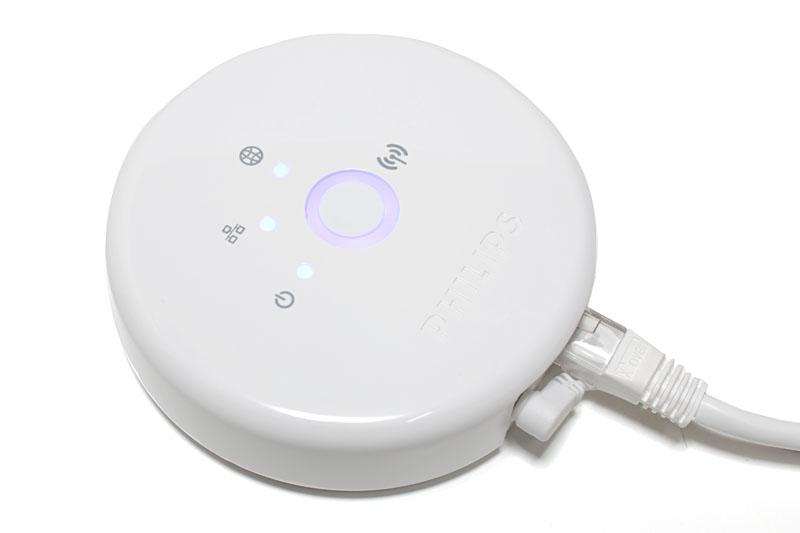 ブリッジをWi-FiルータにLANケーブルで接続。ACアダプタも接続