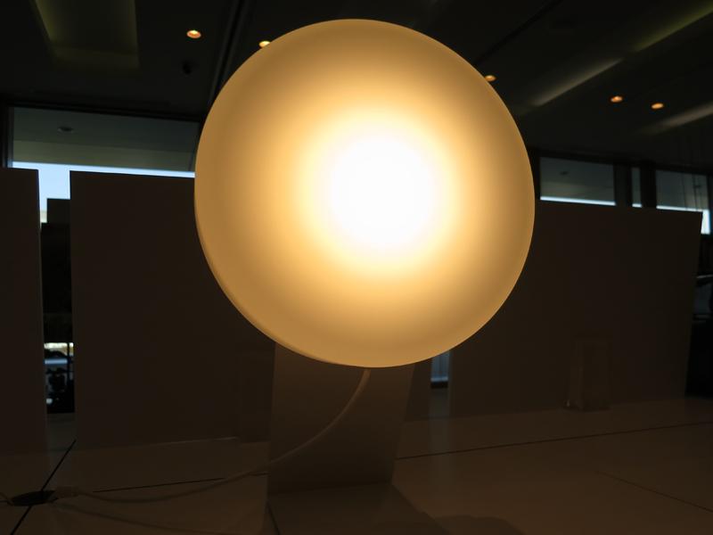明るさは2段階からコードを引いて切り替えられる。こちらは明るさが強い状態