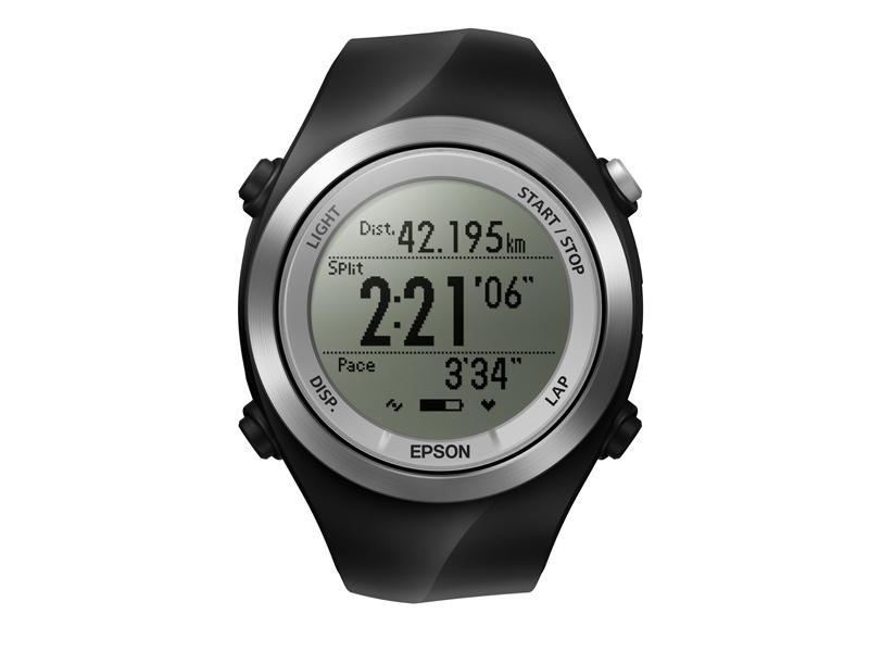 「Wristable GPS」シリーズの新モデル。写真はタップ操作やストライドセンサーなどを搭載した高機能モデル「SF-710S」。店頭予想価格は35,000円前後